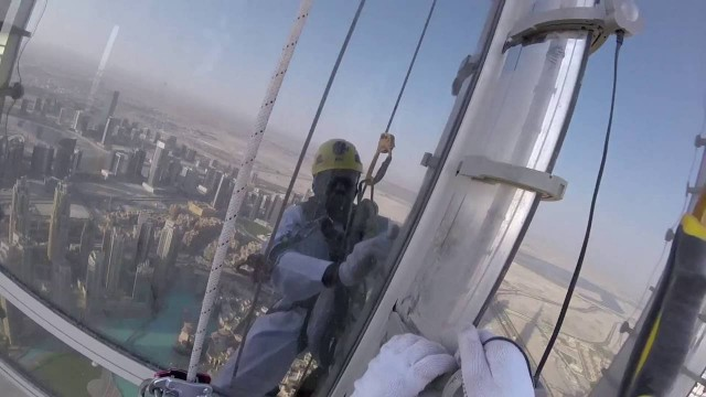 The LED Exterior Facade of Burj Khalifa Uncovered